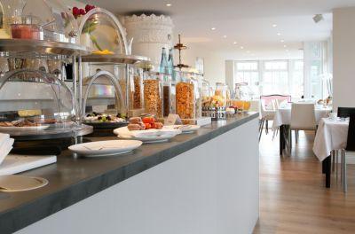 Starten Sie den Tag mit dem exklusiven Norderriff-Frühstücksbuffet ...